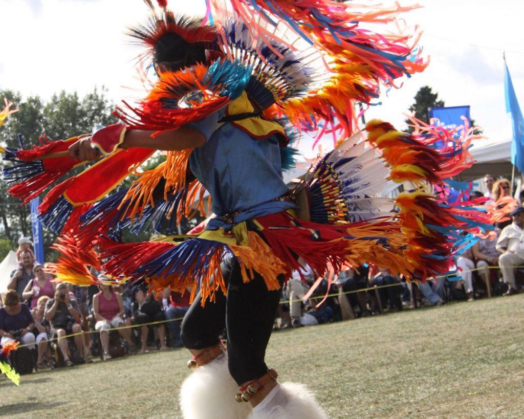 Indios Bailando